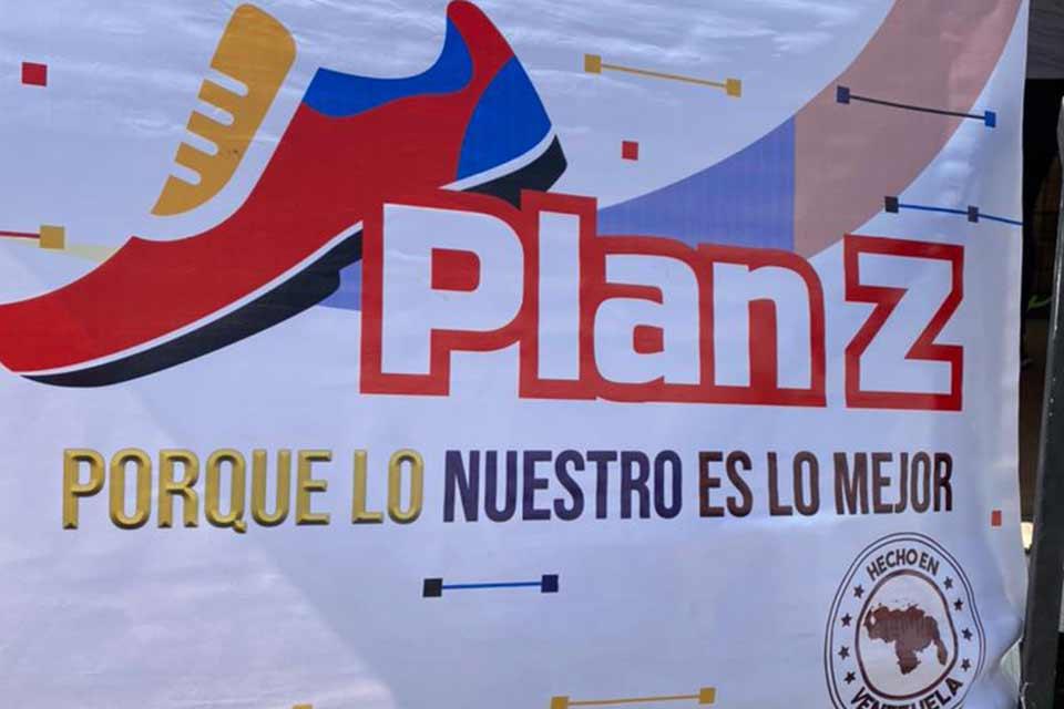 Instalan tienda móvil del Plan Z en el urbanismo Robert Serra de Caracas
